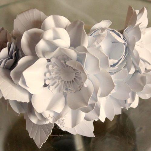 Cerchietto con fiori di carta